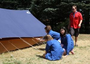 Montage tente scouts guides Vaise